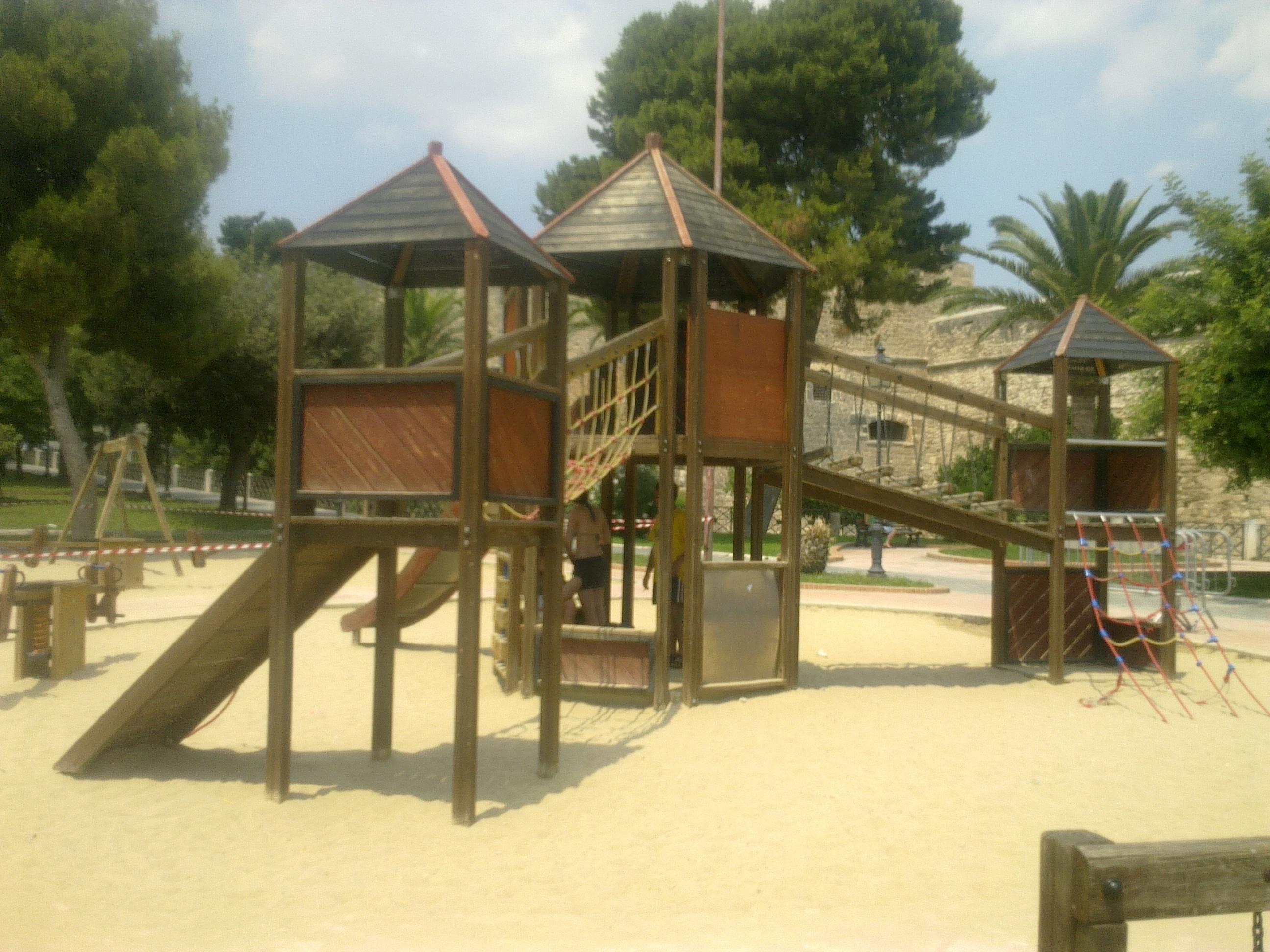 Manfredonia fg manutenzione parco castello for Green arreda